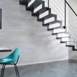 Decoración de paredes con placas de PVC adhesivas