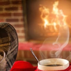 Chimeneas modernas para decorar y calentar tu hogar